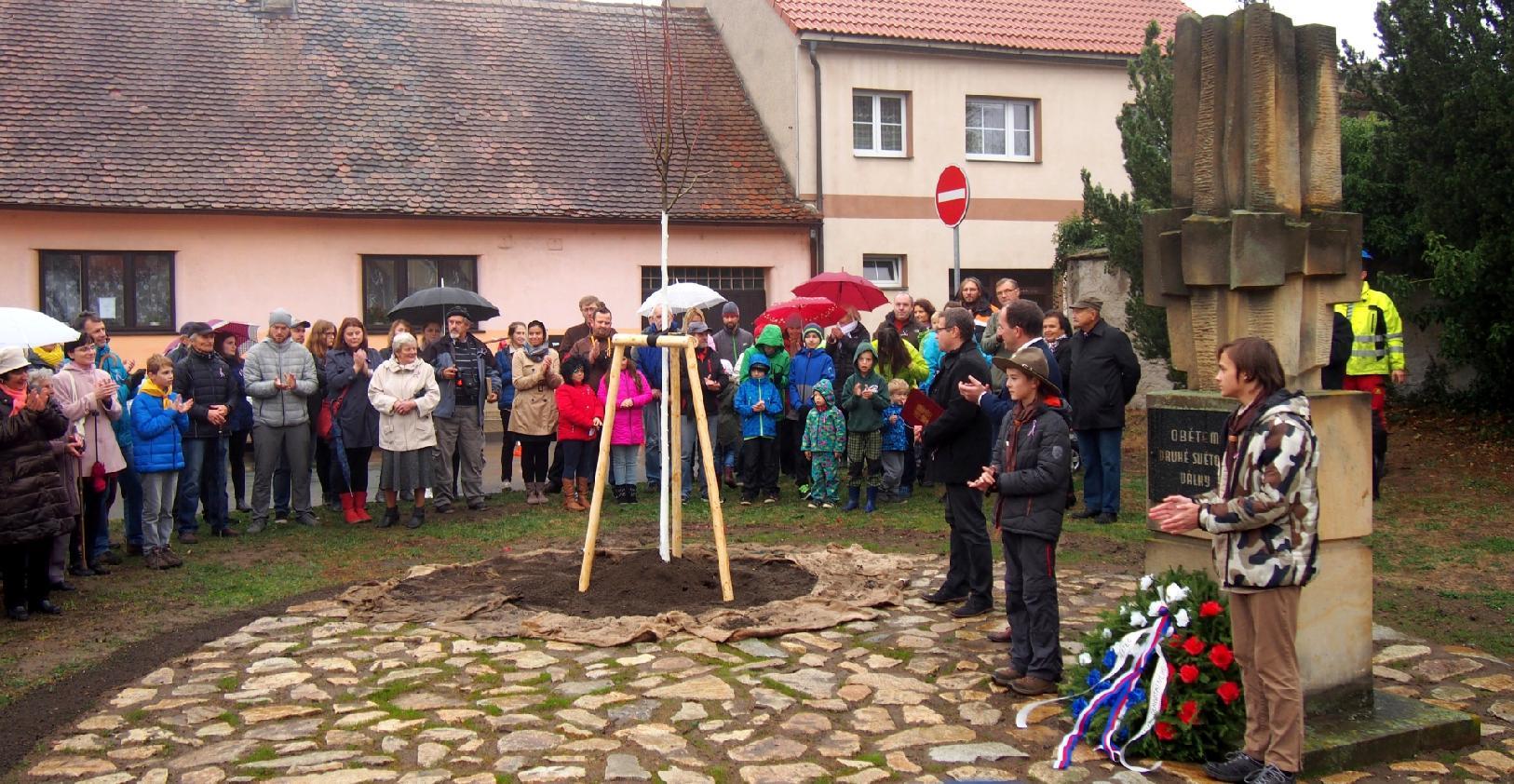 Zasazení lípy svobody v Heřmanově Městci 28. října 2018